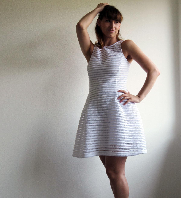 weisses Kleid von Guess, Wedges von Guesss