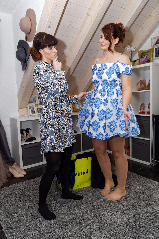 Stylistin:50er Jahre Kleid mit Blumenmuster