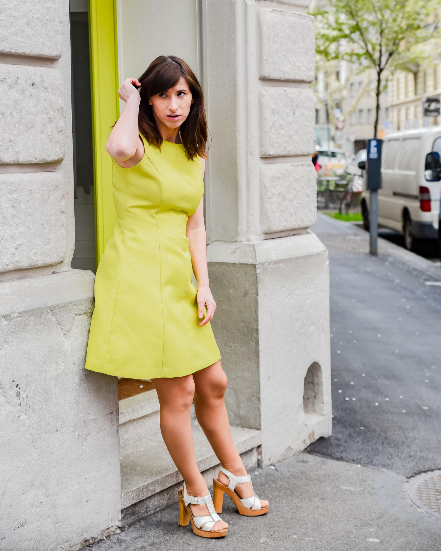 Dolce: Kleid von Darling London, Sandaletten von Ol'Autre Shoses