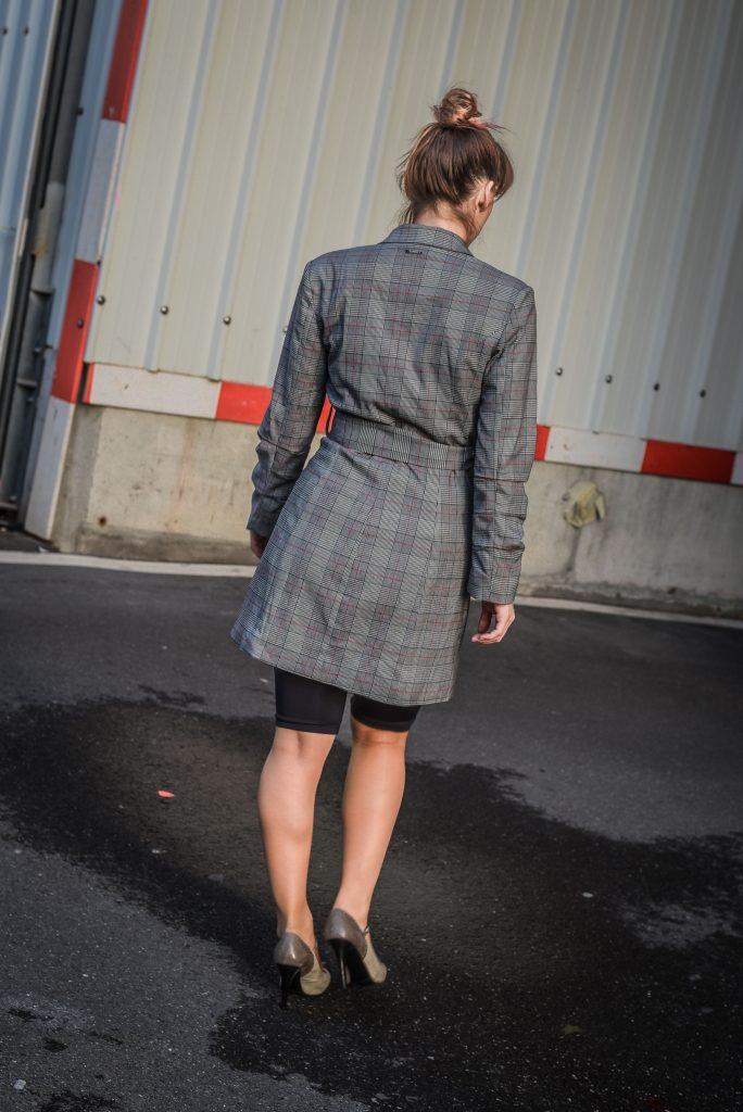 Radlerhosen von Zara, Blazerkleid von Guess