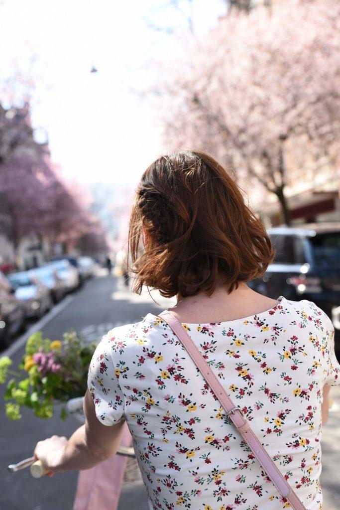 Pastell: Kleid C&A, Tasche von C&A, Jacke von C&A in zartrosa
